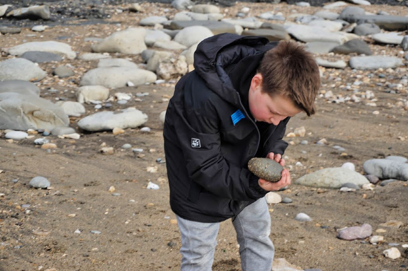 Isaac-Fossil-Hunting-1