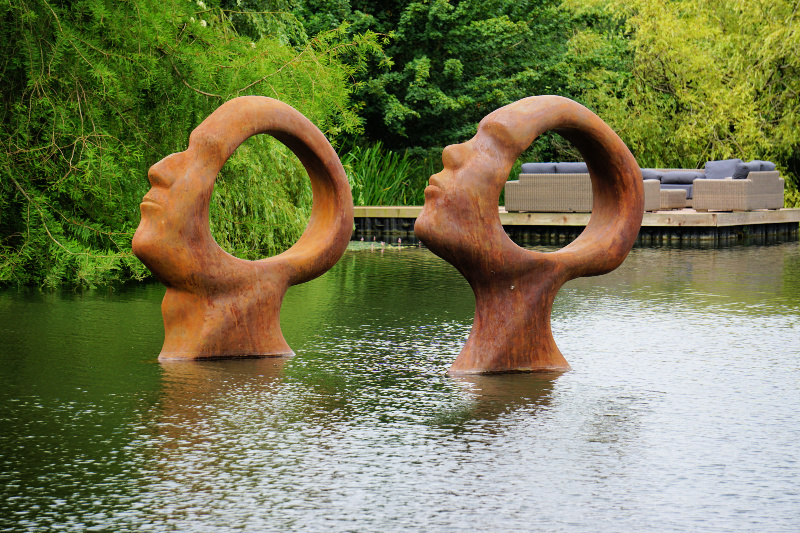 Sculpture-By-the-Lakes