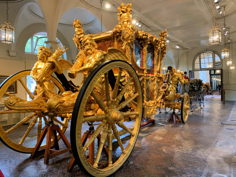 Gold-State-Carriage